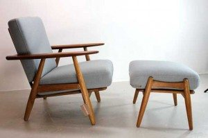 hans-wegner-cigar-chair-and-footstool