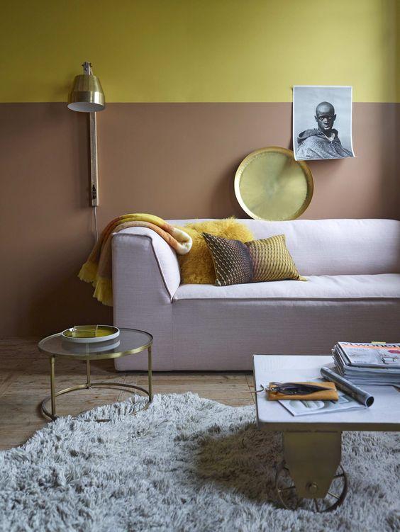 Inspiratie woonkamer met okergeel en goud - Anthura